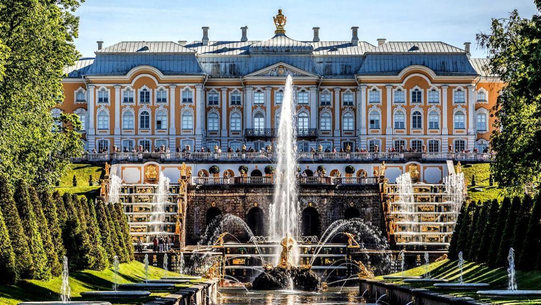 Петергоф с Большим дворцом  - фото 2