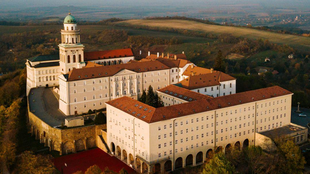 """Старинный Дьёр - """"город балкончиков"""" и аббатство Паннохалма - фото 13"""