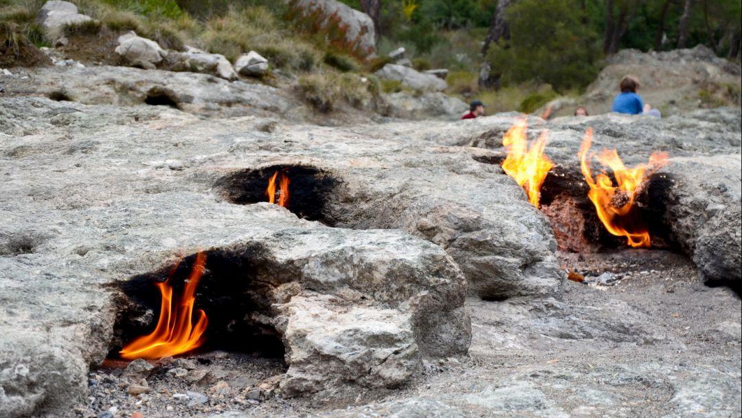 Гора Янарташ - мифическая гора Химера - фото 2