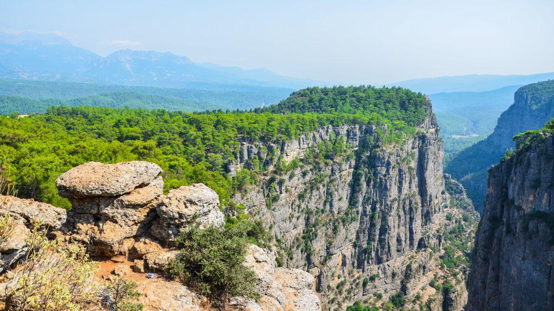 Тазы каньон и римский мост на одной реке - фото 8