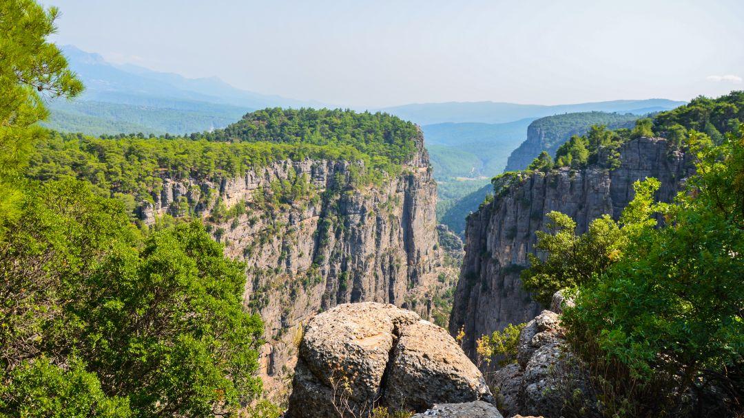 Тазы каньон и римский мост на одной реке - фото 9