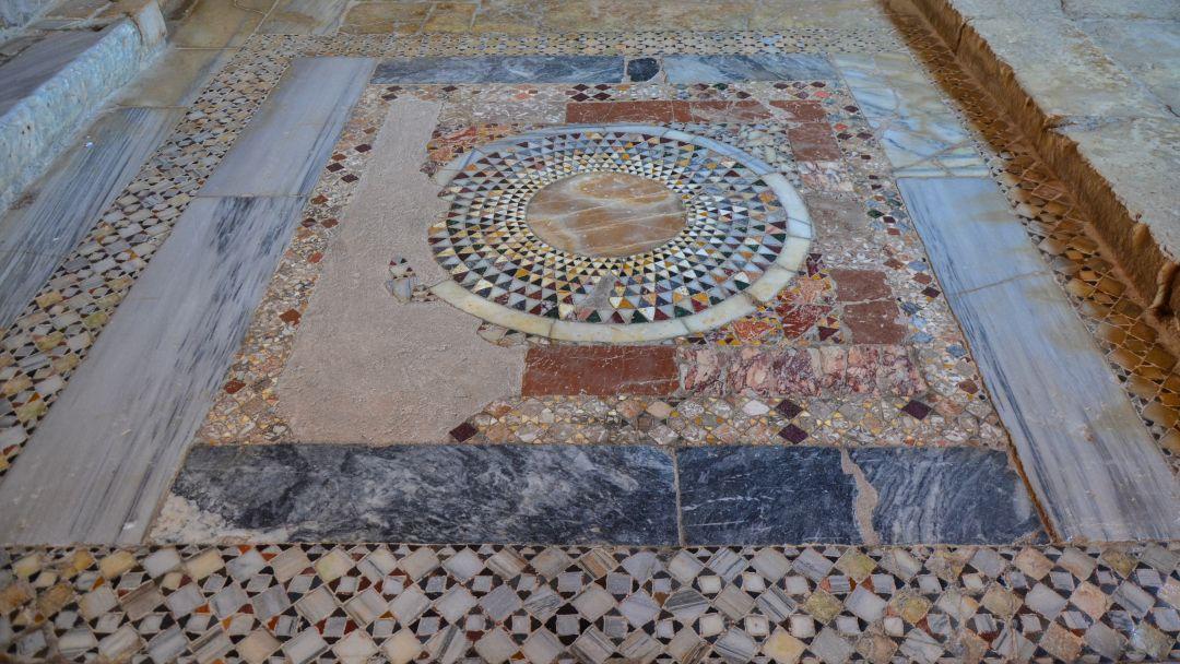 Церковь Святого Николая и Ликийские гробницы - фото 13
