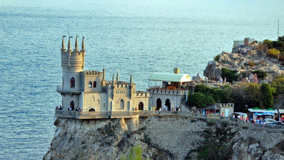 Три дворца Южного берега Крыма - фото 2