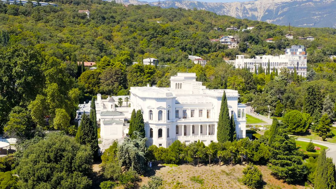 Три дворца Южного берега Крыма - фото 5