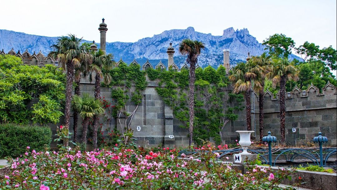 Дворцы Южнобережья: Алупка - Ливадия. - фото 4