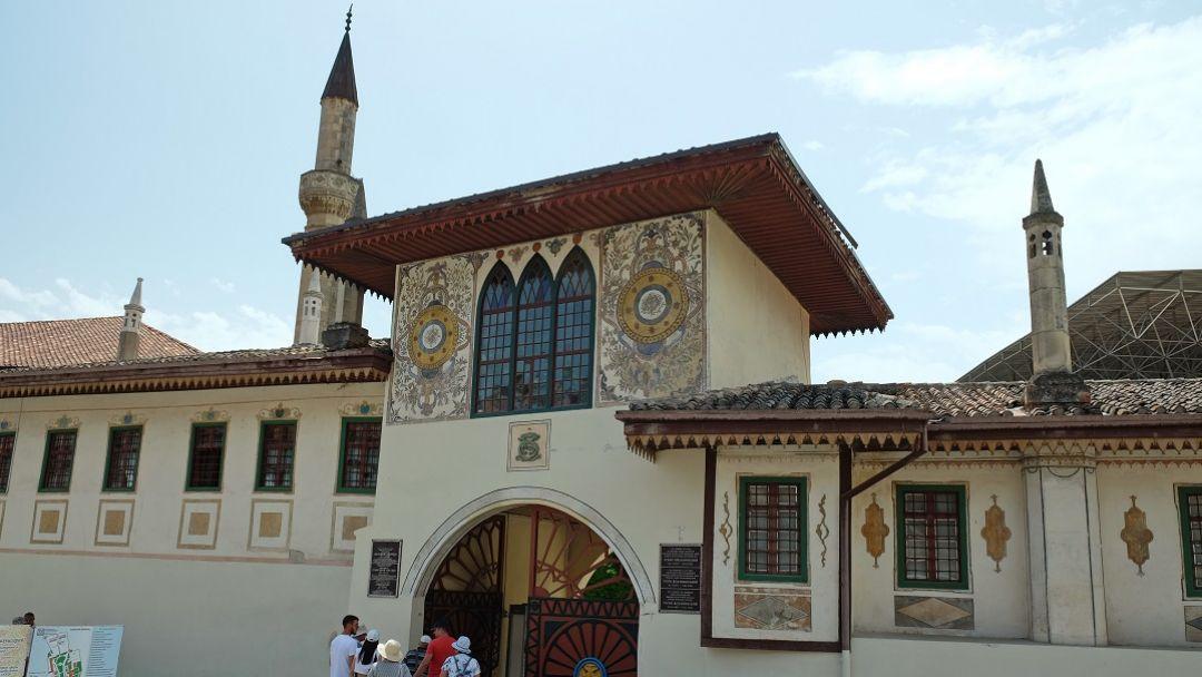 Бахчисарай - в забвенье дремлющий дворец