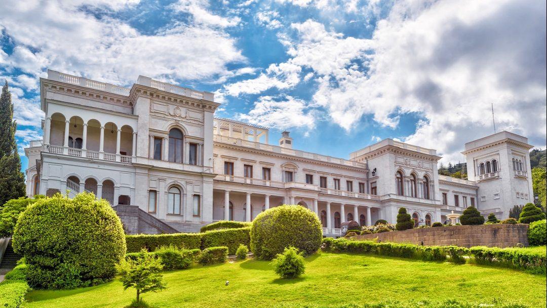 Дворцы Южнобережья: Алупка - Ливадия. - фото 5