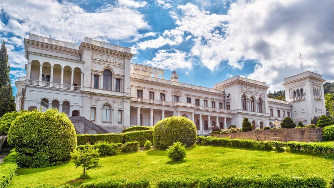 Императорские дворцы Крыма в Севастополе