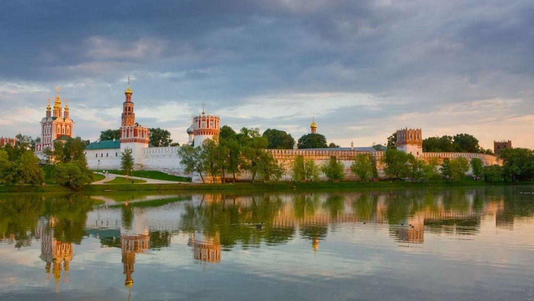 Древняя обитель: Новодевичий монастырь и некрополь
