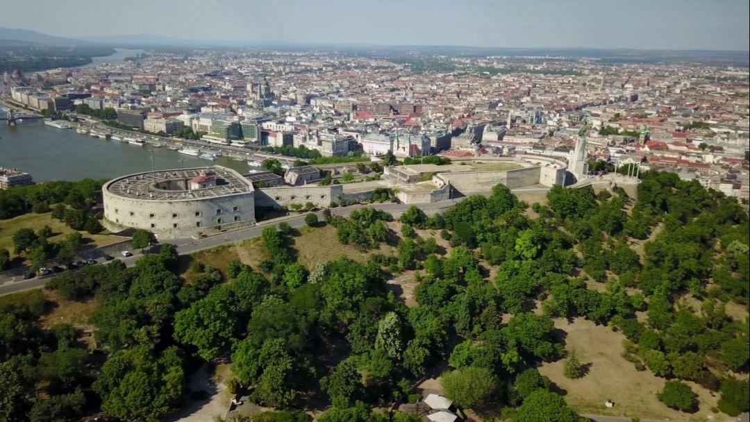 Прогулочный полет на самолете над Будапештом - фото 2