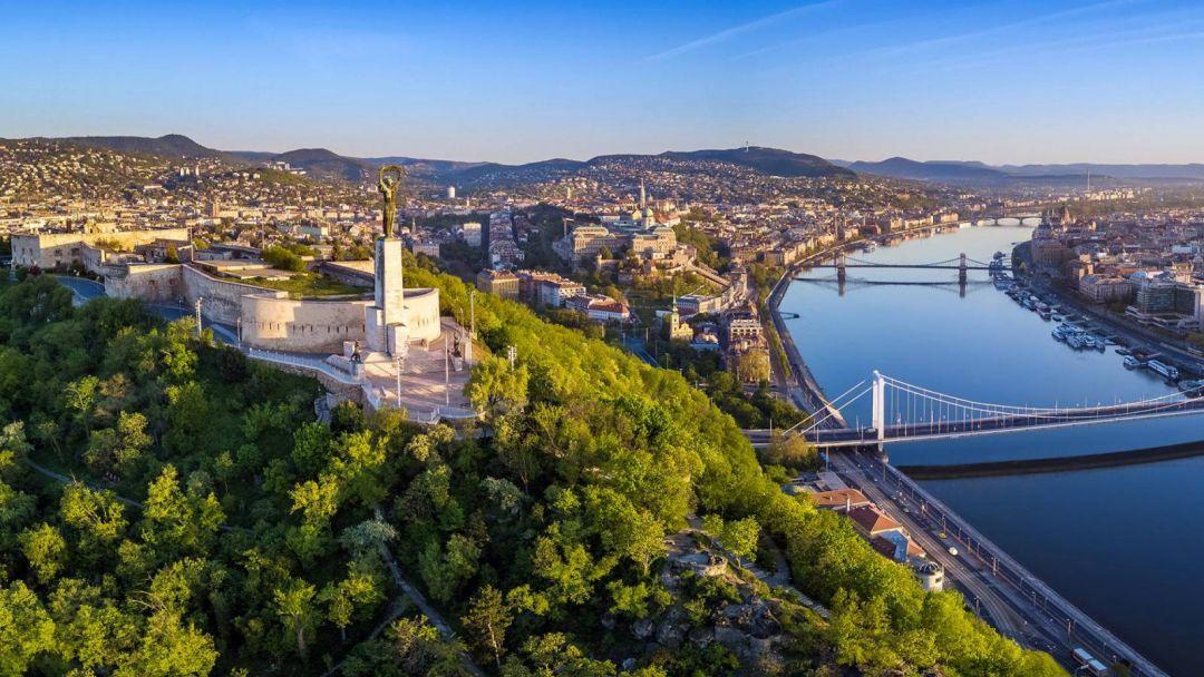 Прогулочный полет на самолете над Будапештом - фото 5