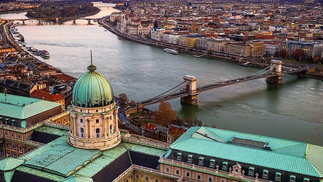 Прогулочный полет на самолете над Будапештом - фото 9