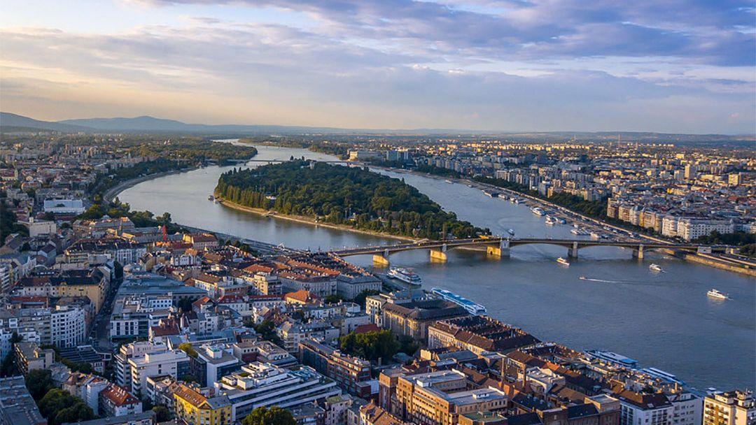 Прогулочный полет на самолете над Будапештом - фото 10