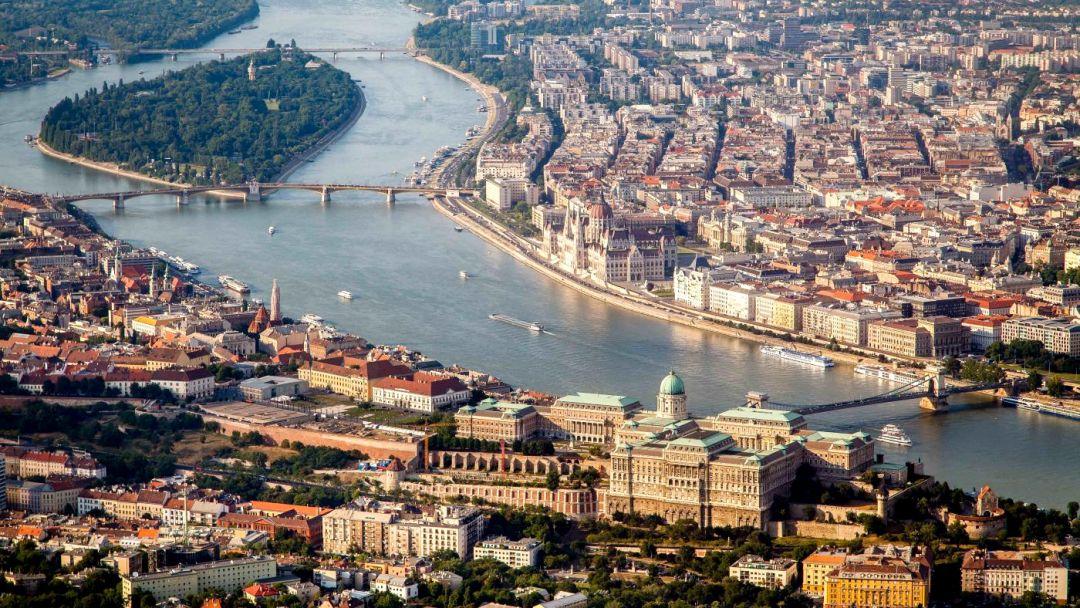 Полет над Будапештом на ВЕРТОЛЕТЕ - фото 2