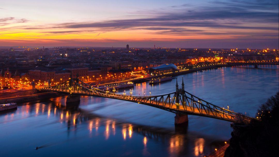 Полет на вертолете над Будапештом после заката - фото 6