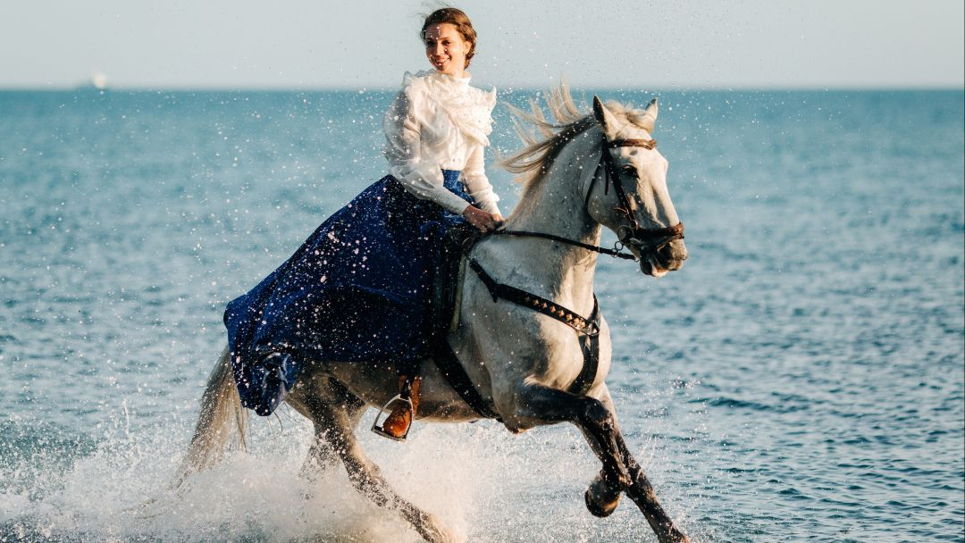 На лошадях к Черному морю в Сочи