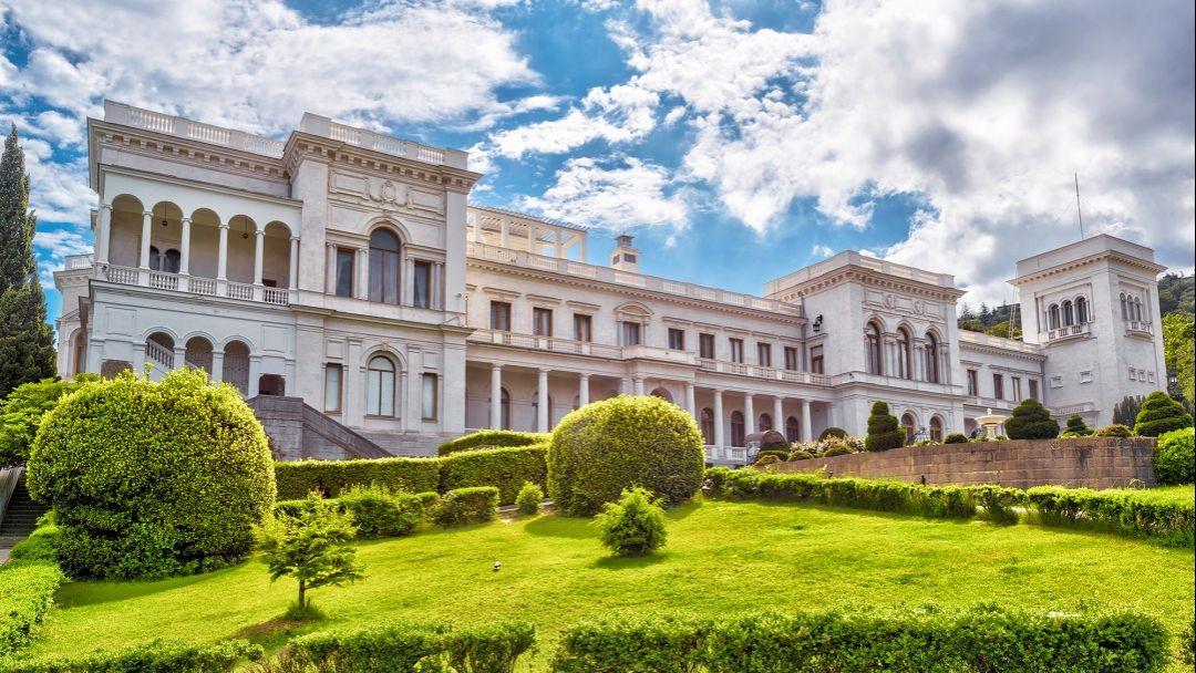 Дворцы Романовых в Алупке