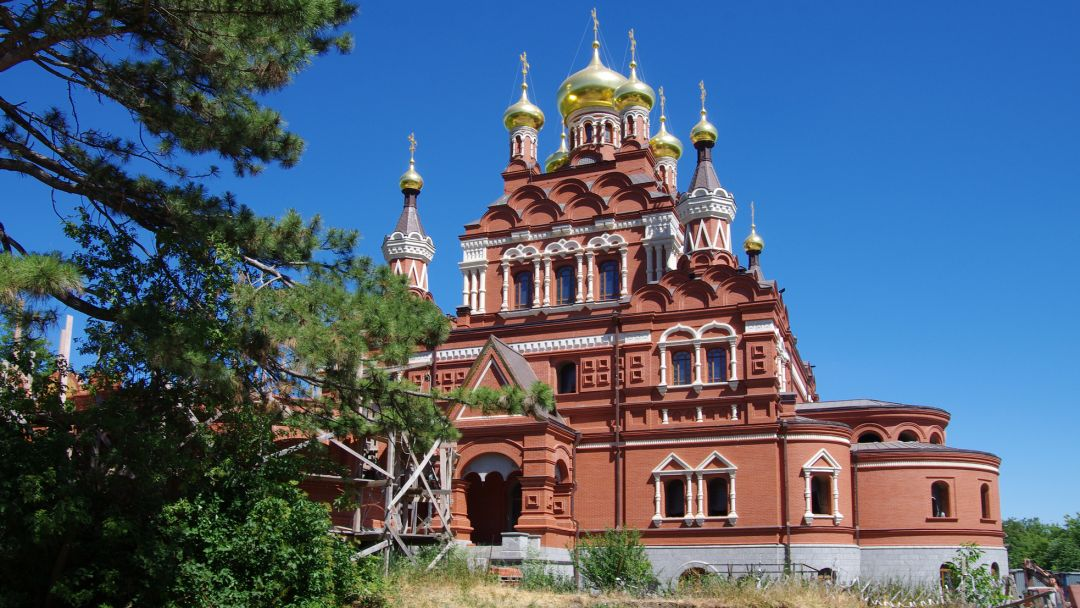 Топловский монастырь, Храм Петра и Павла. Поездка к мощам Святого Луки в Алуште