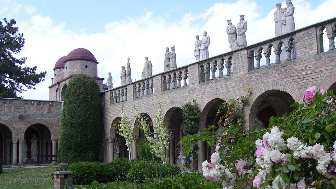 Секешфехервар и замок любви Боривар - фото 12
