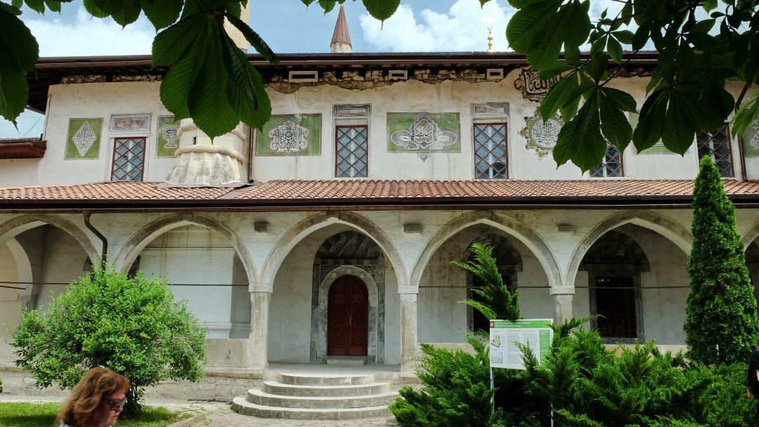 Экскурсия в Бахчисарай (Ханский дворец,Чуфут-Кале, Успенский монастырь) - фото 3