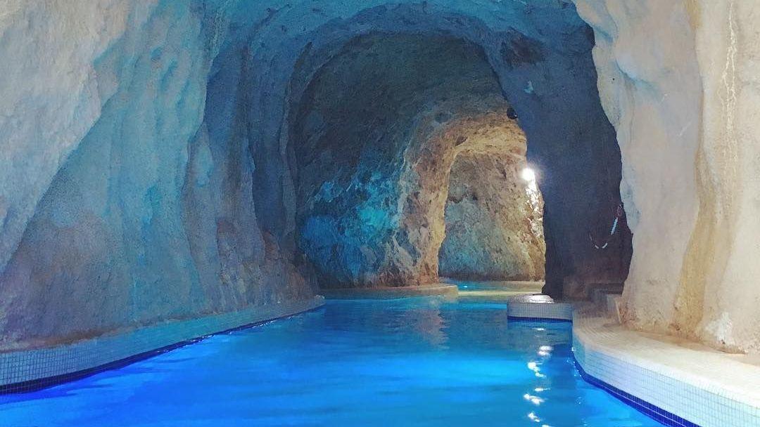 Пещерная купальня Мишкольцтапольца и барочный город Эгер - фото 4
