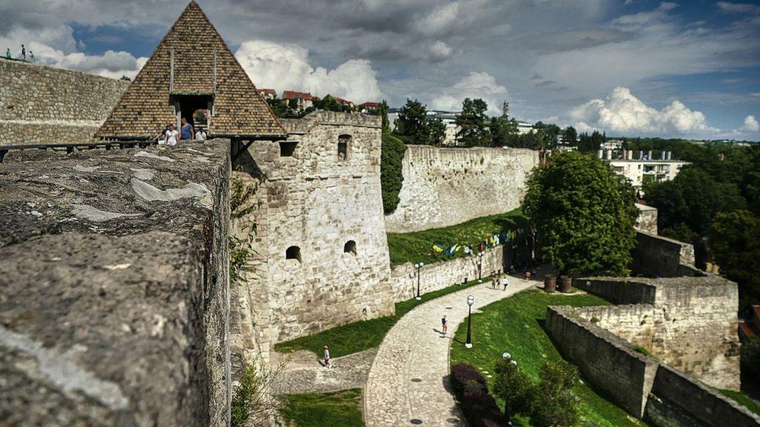 Пещерная купальня Мишкольцтапольца и барочный город Эгер - фото 2