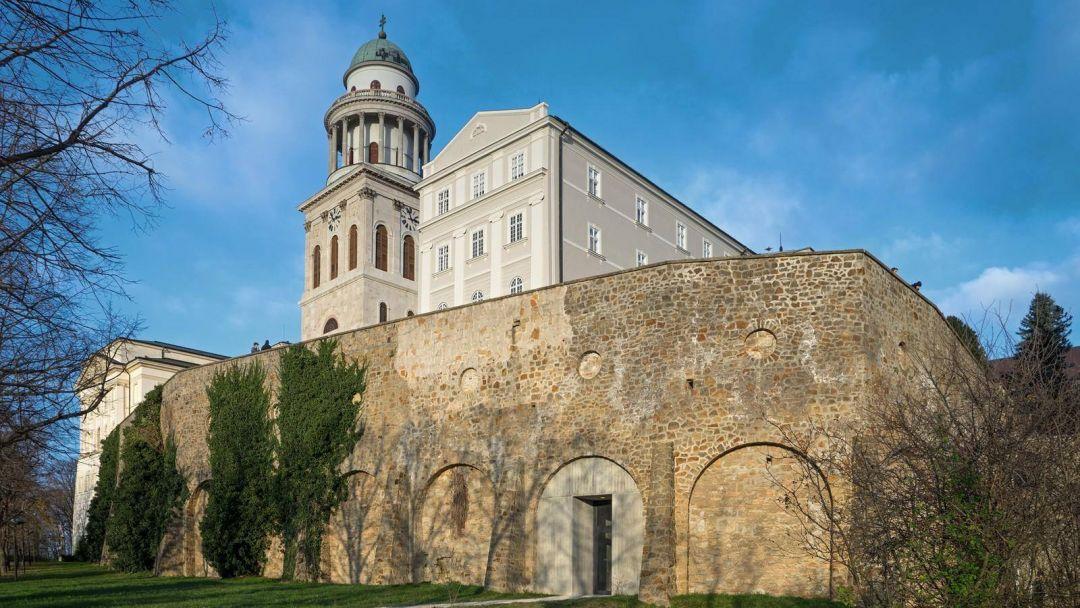"""Старинный Дьёр - """"город балкончиков"""" и аббатство Паннохалма - фото 3"""