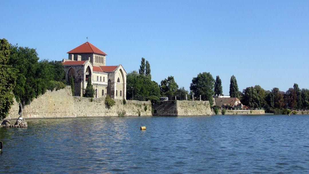 "Тата - ""город на водах"" и аббатство Паннохалма - фото 8"