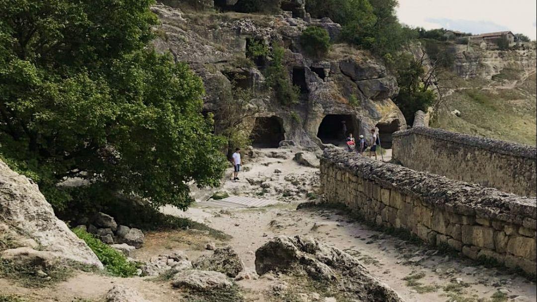 Пещерный город Чуфут-Кале - фото 3