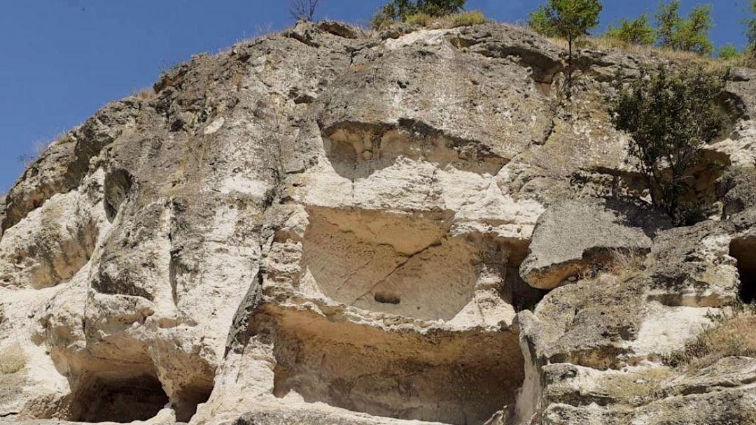 Пещерный город Чуфут-Кале - фото 4