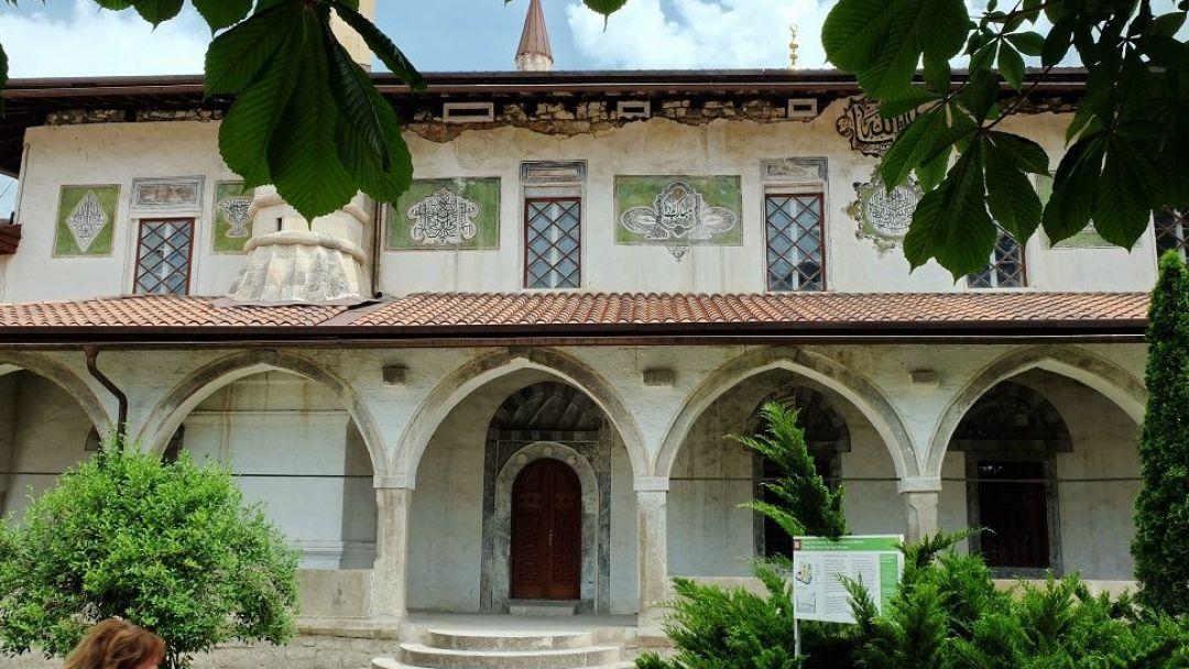 Бахчисарай и Ханский дворец в Северной стороне Севастополя