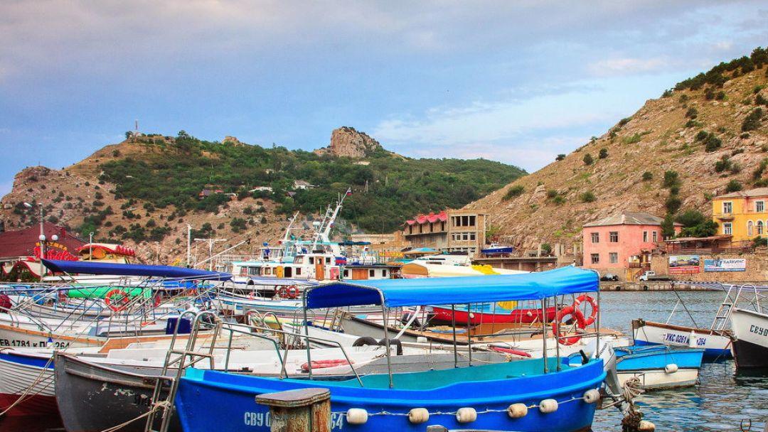 Крым (Лавандовые поля Крыма –Бахчисарай– Балаклава-Мыс Фиолент-Озеро Сердце) - фото 2
