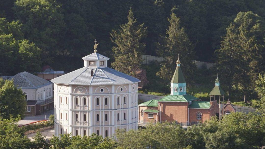 2 монастыря в Пятигорске