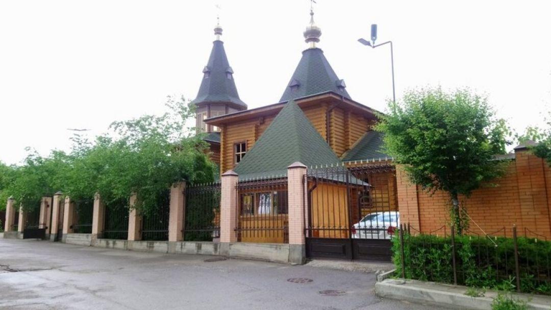 К мощам Матроны Московской