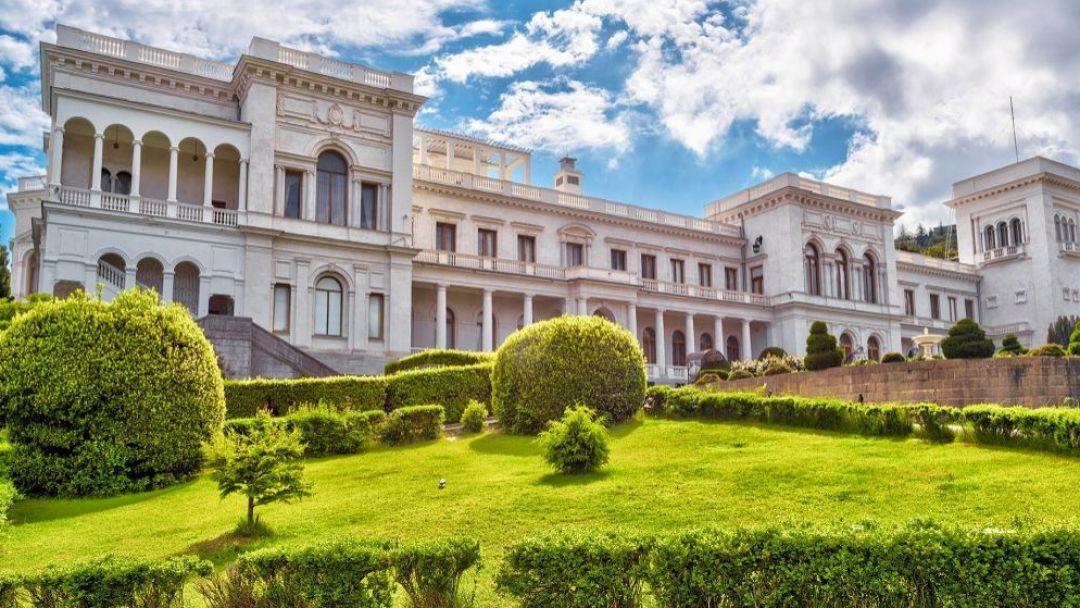 Дворцы Южного берега Крыма в Ливадии