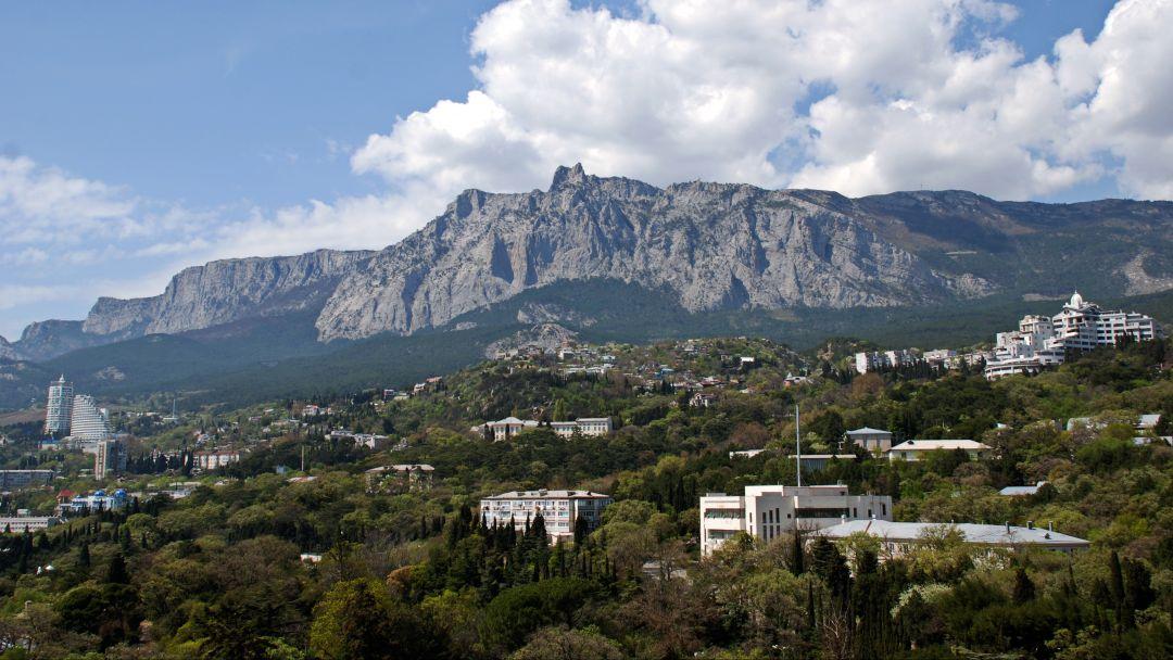 Вершины горы Ай-Петри и Ялта - фото 3