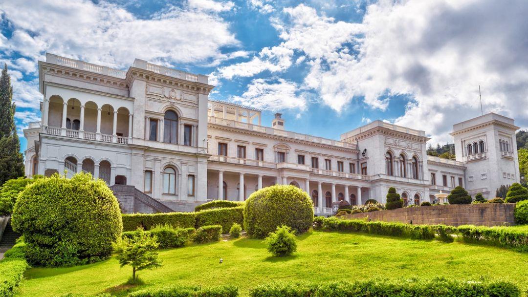 Путешествие по дворцам Крыма в Севастополе